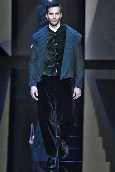 Giorgio Armani Fall 2017 Menswear Collection - Fashion Unfiltered