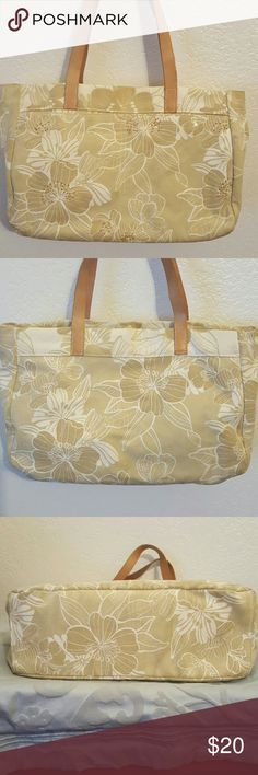 American Eagle Outfitters tote This is a really cute cotton canvas bag floral design with sequins and Beads Zone two outside slip Pockets large and a zipper closure on top of the bag a little dusty but in great condition American Eagle Outfitters Bags Totes