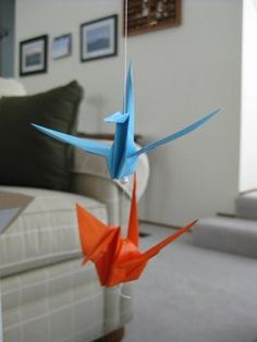 It's becoming pretty popular for brides to fold 1000 origami cranes as part of the Japanese tradition. The idea is that anyone who folds 1000 paper cranes will be granted one wish. For weddings, the bride folding the cranes learns patience and is granted the wish of a happy, healthy marriage. I thought I'd share the way I showcased the 1000 paper cranes at our outdoor wedding! I know that there are many ways to display the cranes, and this is just one way. Feel free to post a comment with…