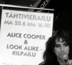 Rock´n roll photos: Alice Cooper Look alike competition 20.06.1994 @ Itäkeskus Anttila