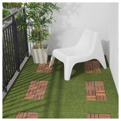 IKEA - RUNNEN, Decking, outdoor, artificial grass, You can choose to only have artificial grass in green or combine with other colors of RUNNEN. The floor decking is easy to care for and simple to secure in place by clicking the plates together. Artificial Turf, Artificial Plants, Fake Plants, Laying Decking, Balkon Design, Outdoor Flooring, Outdoor Decking, Decking Ideas, Patio Ideas