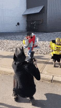Gif Animation Autobots are transforming Cosplay Marvel, Funny Cute, Hilarious, Beste Gif, Animiertes Gif, Animated Gif, Cursed Images, Funny Pictures, Funny Pics