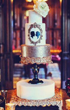 Bolo Vintage e Chiquérrimo/ Cake Design by CAKEGoodness Silhouette Wedding Cake, Silhouette Cake, Vintage Silhouette, New Years Wedding, New Years Eve Weddings, Wedding Cake Photos, Amazing Wedding Cakes, Gorgeous Cakes, Pretty Cakes
