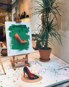 """ZIO FOOTWEAR, Helsinki, Finland, """"Life is the Art of drawing without an eraser"""", close-up, pinned by Ton van der Veer"""