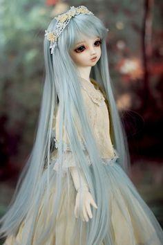 冬幻郷 | by ♡Maruko♡ Anime Dolls, Blythe Dolls, Dolls Dolls, Pretty Dolls, Beautiful Dolls, Wedding Doll, Wedding Stuff, Cute Girl Drawing, Gothic Dolls