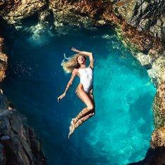 Aniołek Victoria Secret zakłada własną markę odzieżową. Specjalnością TropicofC będą kostiumy kąpielowe