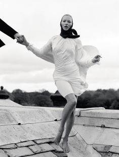 <p> LOVE magazine released their new issue with an elegant editorial spread entitled 'Waltz Darling' featuring Kate Moss. London based photographer, Tim Walker, captures Moss in a seductiv