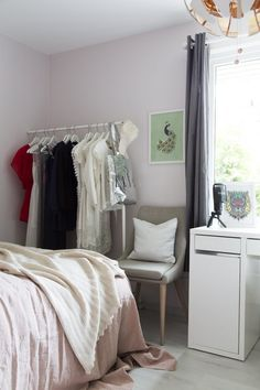 Luksuriøs stue med varme farger og eksklusive detaljer Romantic, Design, Home Decor, Decoration Home, Room Decor, Romance Movies, Home Interior Design, Romantic Things