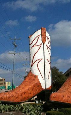 World's Largest Cowboy Boots | Travel | Vacation Ideas | Road Trip | Places to Visit | San Antonio | TX | Public Art | Public Garden | Photo Op | Folk Art | Roadside Attraction