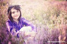 #wrzosy #wrzosowisko #dziewczynka we wrzosach #dziewczynkawewrzosach #fotografia dziecięca