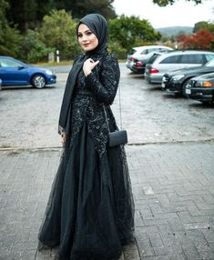 35+ Hijab Wedding Guest Outfit Ideas - If You Need Some Inspiration On Wedding Guest Attire, Then Keep Reading. Wedding Guest Looks - Wedding Guest Dresses- Wedding Guest Outfits With Hijab - Wedding Guest Dress - Wedding Guest Hijab Dresses - Hijab Party Dress - #weddingwear #weddingguestoutfit #weddingguestdress #hijabpartydress Maxi Skirt Outfits, 30 Outfits, Modern Outfits, Hijabi Wedding, Wedding Wear, Dress Wedding, Affordable Evening Dresses, Hijab Fashion, Fashion Outfits