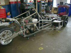 back-side view of reverse trike