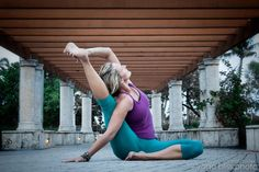 Parivrtta Surya Yantrasana - Compass Pose - Stretches hips and hamstrings; Gives a side stretch that runs up through the shoulder.