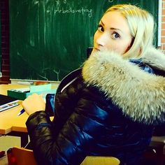 BACK TO SCHOOL Always look glamouros, even if you are bored as hell;) Thx @__lauralii__ great pic! #WeLoveFurs #daunenjacke #downjacket #Pelz #fur #xxlkragen