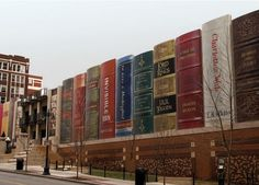 Funny pictures about Kansas City Public Library. Oh, and cool pics about Kansas City Public Library. Also, Kansas City Public Library photos. Kansas City Library, Central Library, Local Library, Toronto Library, Central City, Unusual Buildings, Amazing Buildings, Interesting Buildings, Unusual Houses