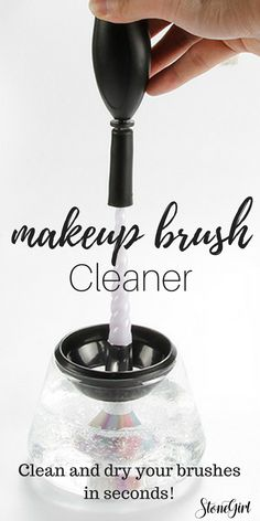 Who wouldn't love to clean their makeup brushes in under a minute? Isn't this the perfect Christmas gift idea for you wife, daughter or makeup junkie?