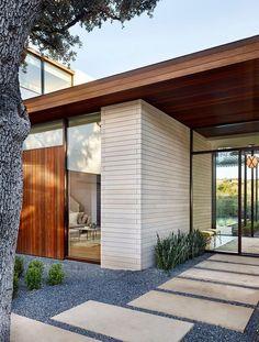 Me gusta este tipo de planchetas para la entrada de la casa... creo que quedaría bonito entre gramita.
