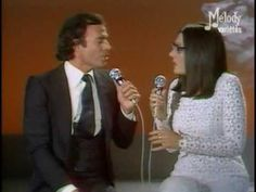 Heavenly sounds and chemistry abound when Nana Mouskouri & Julio Iglesias sing La Paloma - In live Music Sing, Dance Music, Pop Music, Nana Mouskouri, French Songs, Dance Like No One Is Watching, World Music, Fun At Work, Best Songs