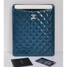 TLCH470 Chanel blue Patent Leather ipad case 4809http://www.topluxhandbags.com