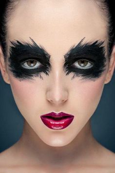 Halloween Make up - black eyes