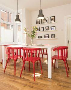 James kombiniert unseren Bramante Esstisch mit knallroten Statement-Stühlen. Cool! | Made Unboxed