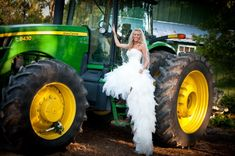 Love it! For sure going to have this picture with Daddy's tractor! ❤