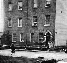 Dublin Street, Dublin City, Dublin House, Ireland Homes, Photo Hosting, Dublin Ireland, Old City, Book Of Life, Old Pictures