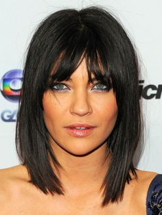 Jessica Szohr goes for the chop with this very flattering shoulder-length bob cut. Not a fan if hair color or makeup but like the length