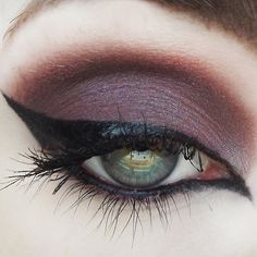 ***Bestselling Halloween-themed products on sale now thru Monday, (Shimmery red-brown w/ blue undertones) A deep, sexy shadow that also looks killer foiled or as a liner! Use this color as a Makeup Goals, Makeup Tips, Beauty Makeup, Hair Makeup, Makeup Ideas, Eyeliner Designs, Concrete Minerals, Beautiful Eye Makeup, Stunning Eyes