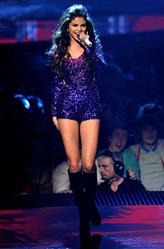 Love the look minus the knee-high boots #EMA