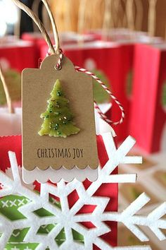 Quick Gift Wrap - Christmas Tag by Heather Nichols for Papertrey Ink (December 2013)