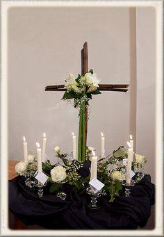 Laatste zondag van het kerkelijk jaar 2010 Kirchen, All Saints, Floral Arrangements, Projects To Try, Bouquet, Candles, Flowers, Design, Anna