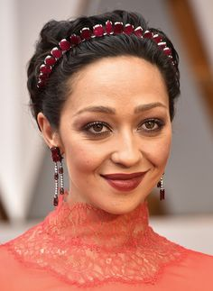 We're Pretty Sure This Year's Oscars Beauty Looks Are the Best Yet Oscar 2017, Pixie, Tommy Lee Jones, Billboard Music Awards, Charlize Theron, Red Carpet Looks, Best Makeup Products, Headpiece, Makeup Looks