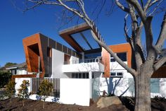 Cantilever House   DNA Architects #architecture #design #house #inspiration #canberra #residential #modern