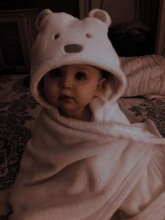 Cute Little Baby, Cute Baby Girl, Little Babies, Baby Boy, Carters Baby, Baby Kids, Cute Baby Videos, Cute Baby Pictures, Cute Family