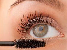 Mascara ist ein Muss für viele Frauen: Auch, wer sich wenig schminkt, nutzt doch meistens Mascara. Die Zeitschrift Ökotest hat jetzt 19