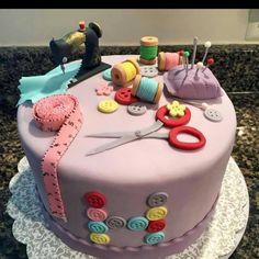 Cake Art By Bec : Motivtorte Nahmaschine , gefullt mit Vanillecreme und ...