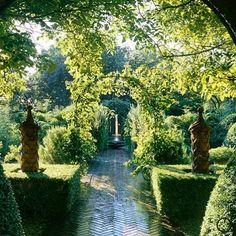 Anouska Hempel Design #garden #talented designer #classic garden design