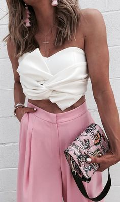Get ready to tie the knot because you and this elegant tube top are about to have a sweet summer romance. Sweet Knot Bustier Top featured by Cellajane Blog
