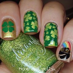 Cute and easy St Patty's Day nails you can do at home. St Patty's Day nail designs, including shamrock nails, are perfect to show off your Irish spirit. Irish Nail Designs, Green Nail Designs, Nail Art Designs, Christmas Manicure, Holiday Nails, Irish Nails, St Patricks Day Nails, Nail Polish Blog, Nail Charms