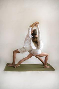 partner-yoga-twin-warriors-pose
