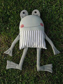 Amazing Home Sewing Crafts Ideas. Incredible Home Sewing Crafts Ideas. Sewing Stuffed Animals, Stuffed Animal Patterns, Sock Dolls, Doll Toys, Fabric Toys, Fabric Crafts, Baby Fabric, Fabric Animals, Sewing Dolls