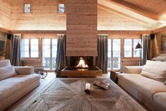 Contemporary yet cozy weekend hideaway in Swiss Alps: Chalet Gstaad