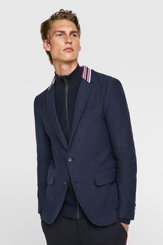 Men's blazers for both formal and casual styles. Discover this season's key designs at ZARA online. Zara United States, Blazers For Men, Formal, Gifts For Dad, Dads, Suit Jacket, Casual, Jackets, Neckline
