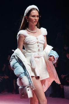 Runway Fashion, High Fashion, Fashion Show, Womens Fashion, Fashion Design, Kpop Outfits, Cute Outfits, Casual Day Dresses, Princess Outfits