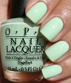 OPI That's Hula-rious! // http://kelliegonzo.com