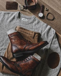 Look of the day. Estilo Cool, Style Masculin, Fashion Shoes, Mens Fashion, Athletic Outfits, Gentleman Style, Looks Style, Mode Style, Mens Clothing Styles