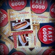 Mamy dla Was kupony uprawniające do zakupu wielkich, pysznych hot dogów w Fast & Good za jedyne 7 zł!   Co należy zrobić? Przyjść do Oficyny Wydawniczej PW (u. Polna 50) i poprosić w recepcji o kupon. Stamtąd już tylko kilka kroków dzieli Was od Fast & Good.   Poza tym restauracja Fast & Good ma dla studentów stałą zniżkę -10% od menu oraz piwo lane za 6 zł do zamówienia z karty :D