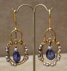 Gold Earrings with Pearls and...
