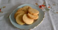 Gluténmentes libazsíros cookie narancshéjjal recept képpel. Hozzávalók és az elkészítés részletes leírása. A Gluténmentes libazsíros cookie narancshéjjal elkészítési ideje: 20 perc Pancakes, Paleo, Gluten Free, Cookies, Breakfast, Desserts, Food, Glutenfree, Crack Crackers